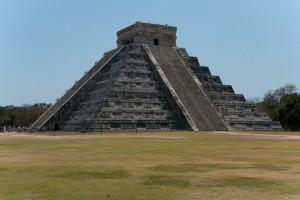 Pyramída Chichén-Itzá, Yucatán, Mexico